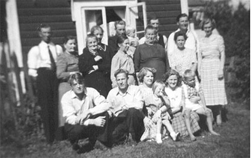 Elin with family-members